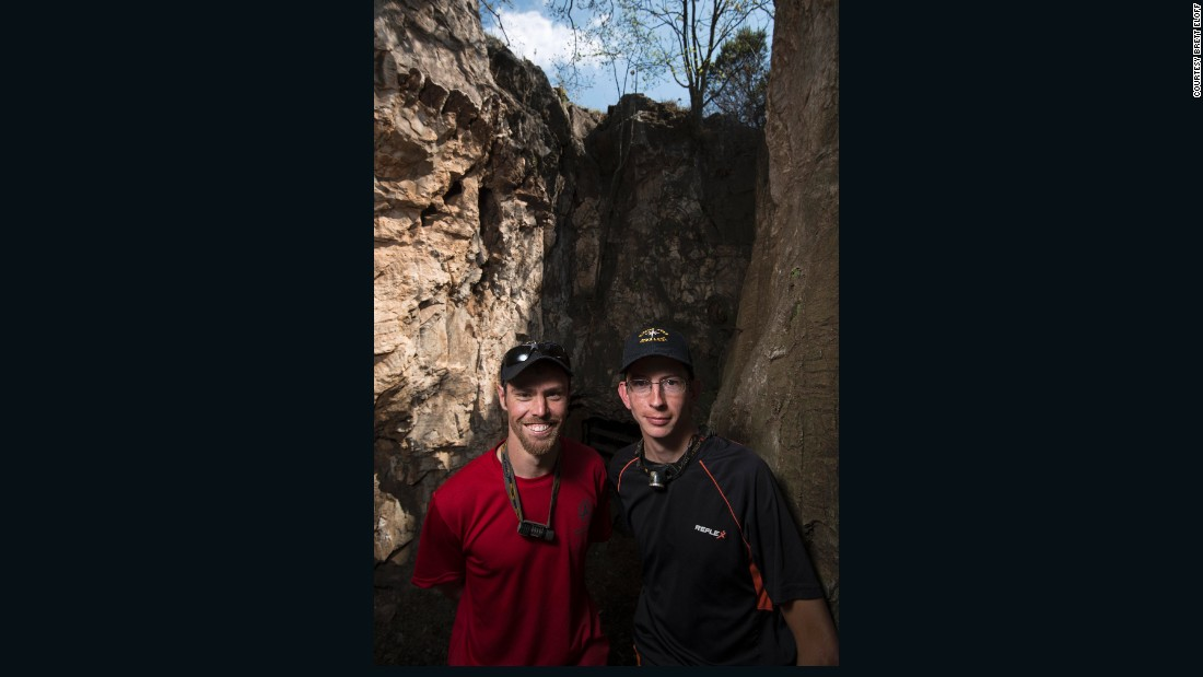 Cavers Steve Tucker and Rick Hunter originally discovered the fossils in Rising Star cave, taking photos which they later showed to Berger.<br />