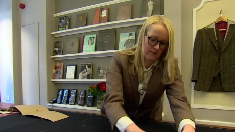 britain first female tailor savile row dos santos pkg qmb_00005225