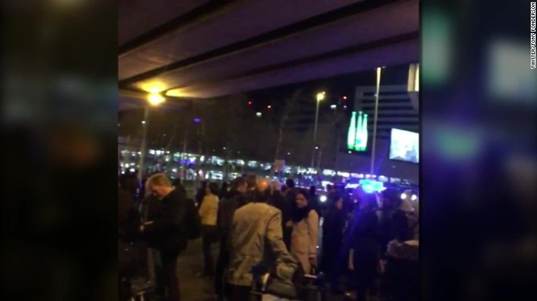 amsterdam schiphol airport walker fonderson_00002508
