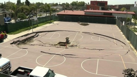 California high school basketball court collapse pkg_00000915
