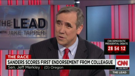 bernie sanders endorsement first senate colleague jeff merkley lead intv_00030322.jpg