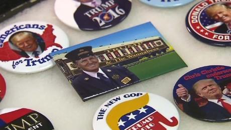 mort berkowitz political buttons election pkg sebastian qmb_00014023
