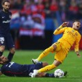 Neymar fouled