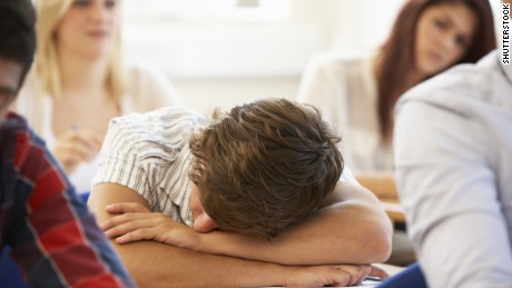 Doctors: Early school start times unhealthy for students