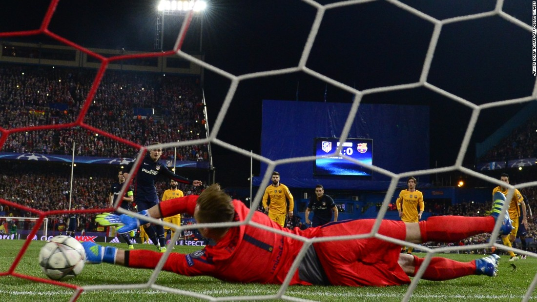 As Barcelona pushed forward, Atletico took full advantage of the extra space and Griezmann fired home his side's second from the penalty spot after Andres Iniesta had handled the ball.