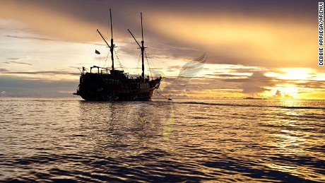 Arenui explores the coral-rich waters around the Indonesian archipelago.
