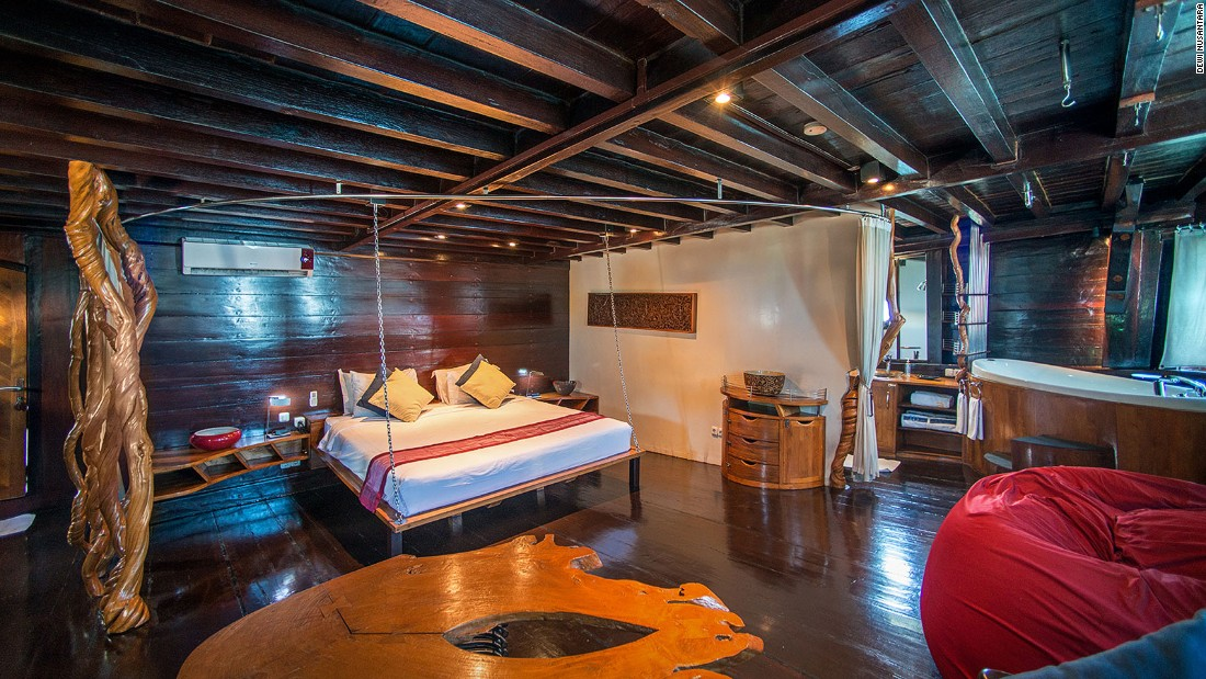 The Dewi Nusantara has what is perhaps the largest private cabin (500 square feet) in the liveaboard family.