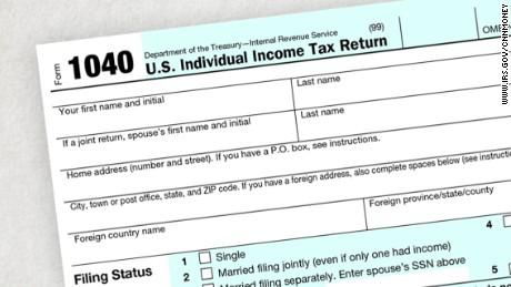 Warren Buffett erases Donald Trump's excuses on taxes