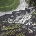 08.japan earth quake 0416