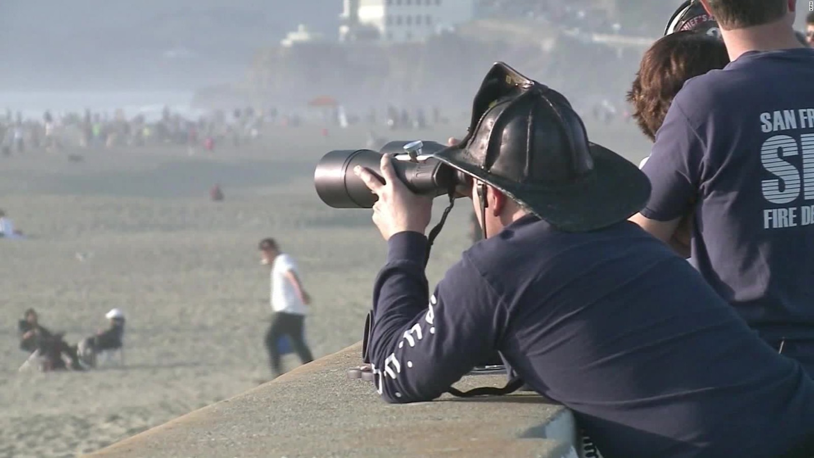 search suspended for teens swept out to sea in california com