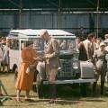 01 Queen Land Rover 0418