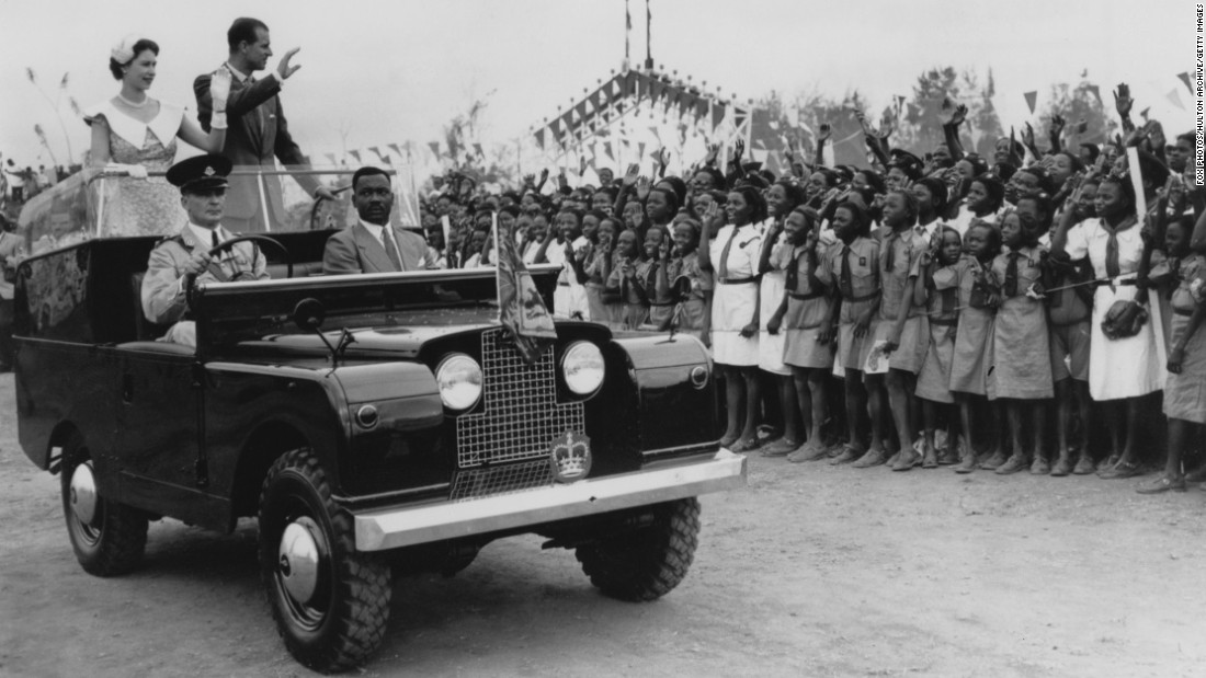 "The ""State Review"" Land Rover, this time in Ibadan, Nigeria. Later in 1978 a Series 3 Land Rover was modified for Her Majesty, including a traffic light system with which the Queen could direct the driver to either stop, slow down or continue."