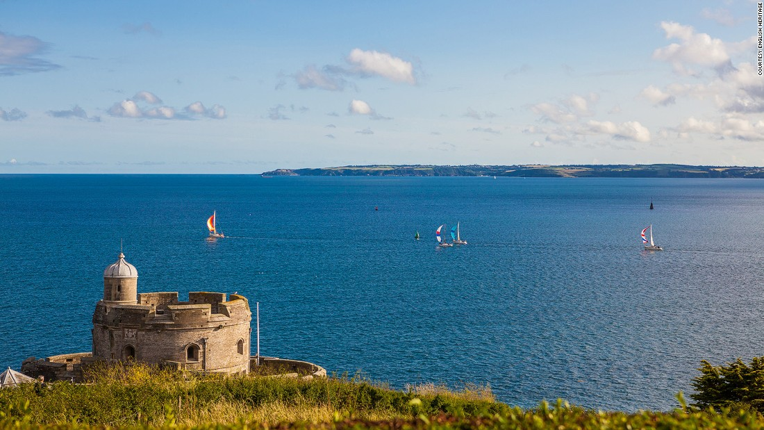 "A sea fort constructed by Henry VIII in the 1540s, <a href=""http://www.english-heritage.org.uk/visit/places/st-mawes-castle/"" target=""_blank"">St. Mawes Castle</a> offered protection to the waterway of the River Fal until it surrendered to a land attack during the English Civil War. It's regarded as the best preserved fort built by Henry VIII."