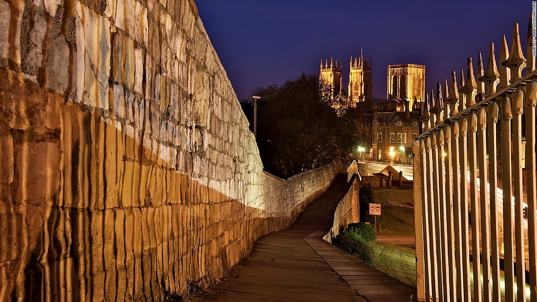 "At 3.4 kilometers, York has England's longest medieval <a href=""http://www.yorkwalls.org.uk/"" target=""_blank"">city wall</a>. The well-preserved fortification makes a picturesque two-hour trail around the heritage city."