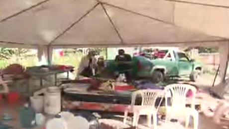 cnnee encuentro sismo ecuador gustavo valdes vecindarios improvisan_00015113