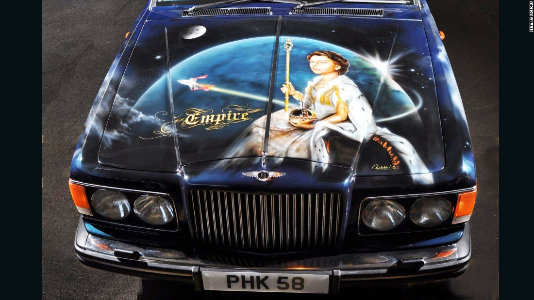 "In 2013, British contemporary artist Paul Karslake airbrushed a 1990 Bentley Mulsanne S as a tribute to ""Britishness"".The roof was adorned with a World War 2 Lancaster bomber flying over a huge Union Flag."