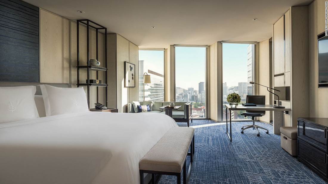 This Four Seasons Hotel Seoul is located in the north bank, the city's seat of power. The best rooms offer views of the entire Gyeongbokgung Palace.