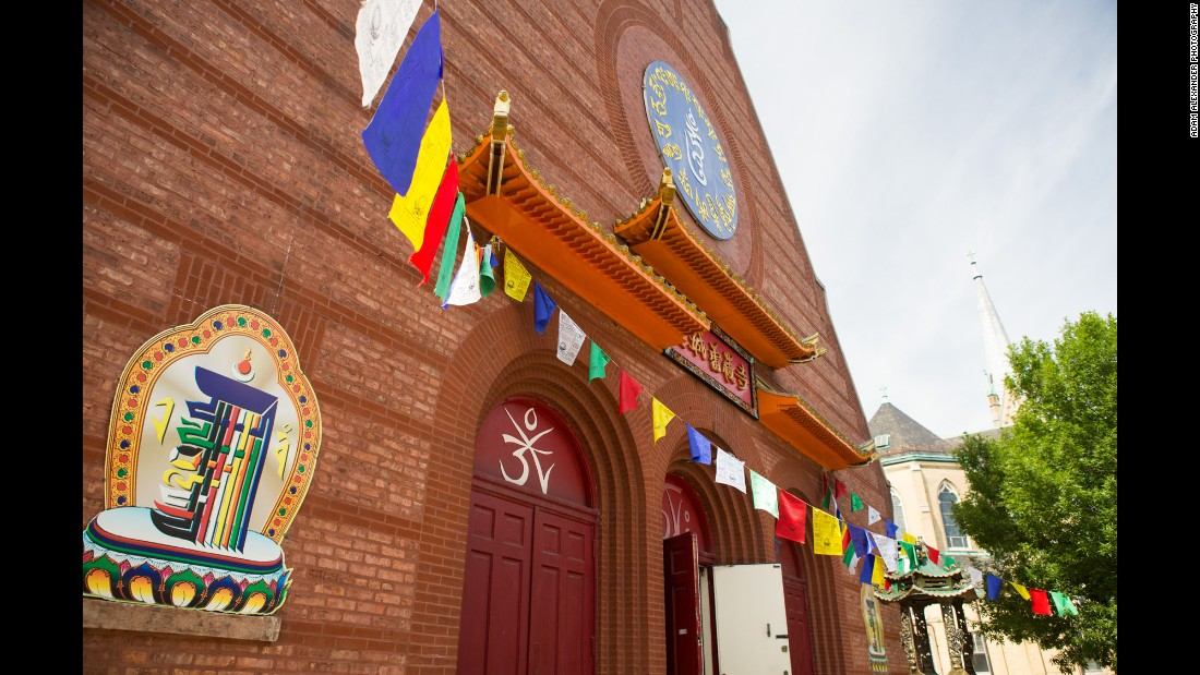 Bridgeport has transformed into one of Chicago's most diverse neighborhoods. This church was originally Emmanuel Presbyterian Church before becoming home to the Ling Shen Ching Tze Temple of True Buddha School in 1992.