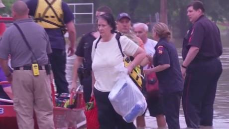cnnee pkg marta garcia inundaciones emergencia texas danos costos_00000927