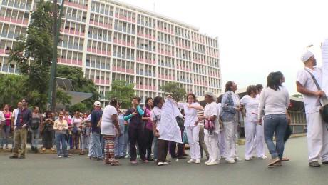 cnnee pkg osmary hernandez venezuela hospital maternidad mal estado_00013516