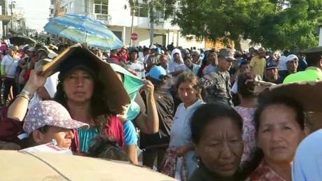 manta ecuador quake help sanchez pkg_00003510