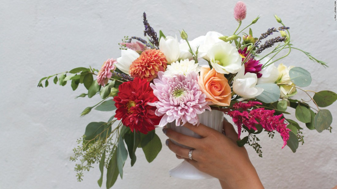 In a few easy steps, florist Allison Song describes how you can make your own floral arrangement for Mother's Day.