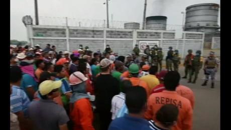 cnnee pkg rey rodriguez explosion pemex pajaritos 24 muertos_00013117