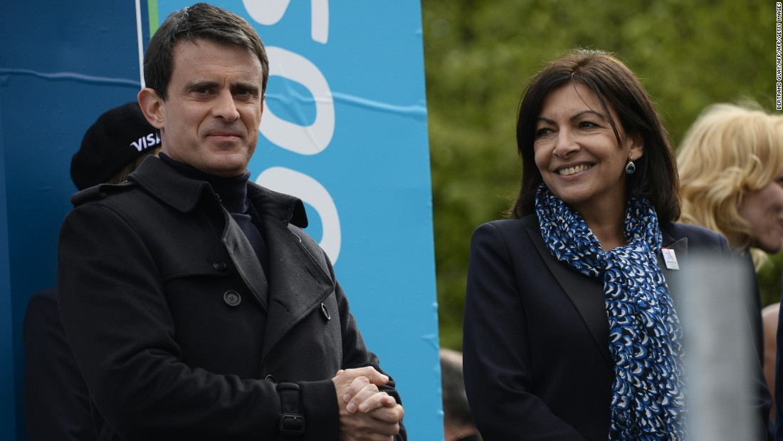 French Prime Minister Manuel Valls and Paris' Mayor Anne Hidalgo are among the dignitaries lending their support to the Paris ePrix.