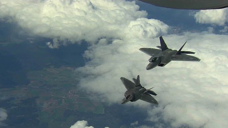 U.S. sends F-22 warplanes to Romania