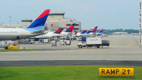 Delta Airlines jets at the terminal at Hartsfield-Jackson Atlanta International Airport in Atlanta, Georgeia on September 12, 2009.  AFP PHOTO/Karen BLEIER (Photo credit should read KAREN BLEIER/AFP/Getty Images)