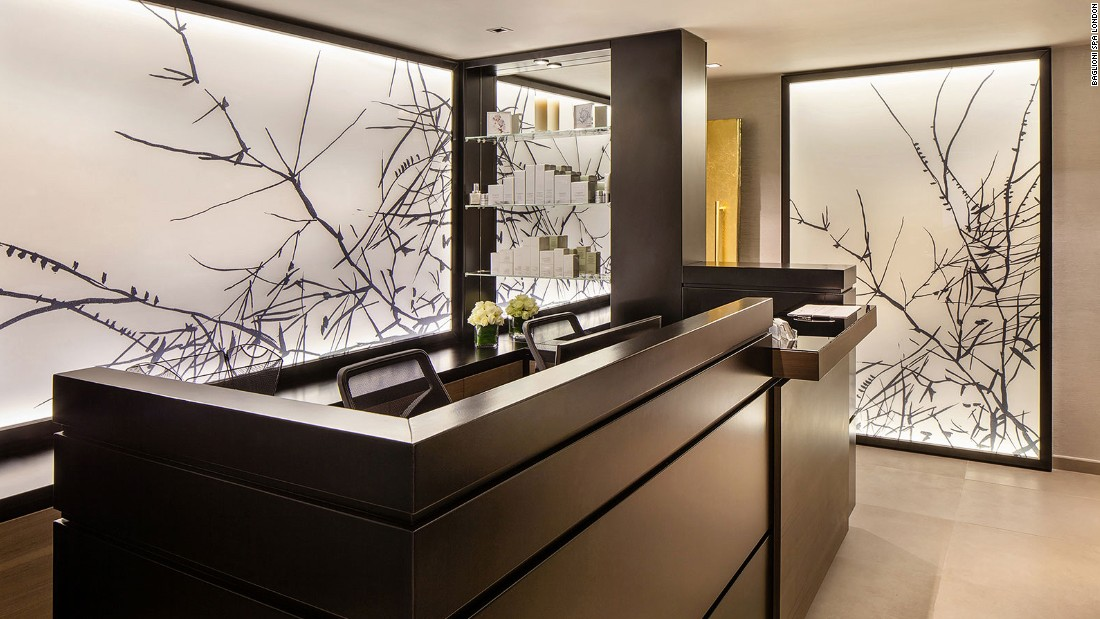 Launched in 2015 after a total makeover, London's Baglioni spa is ultramodern yet earthy, with nature-inspired artwork, warm colors and dark wood decor throughout.