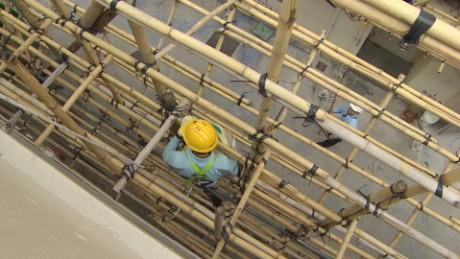 cnnee pkg ivan watson edificios de bamboo _00001213