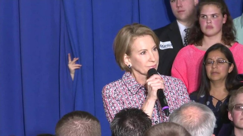 carly fiorina slips on stage indiana_00000000