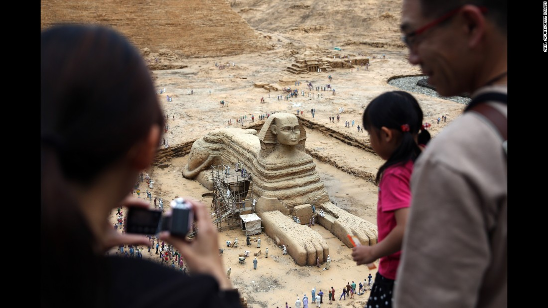 Tobu World Square theme park contains more than 100 1:25 scale models of famous landmarks, including Egypt's Great Sphinx. It's also populated with 140,000 miniature people.