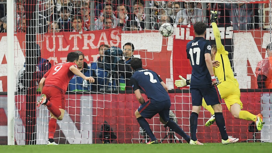 Trailing 2-1 on aggregate, Bayern threw everything at the Atletico defense and Lewandowski scored a dramatic header with 16 minutes remaining to level the tie.