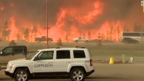 Canadian wildfire forces entire town's evacuation
