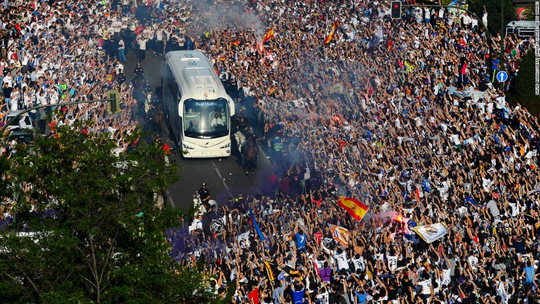 Thousands of Real Madrid fans flocked to greet the team coach as it pulled into Santiago Bernabeu ahead of the Champions League semifinal second leg against Manchester City.