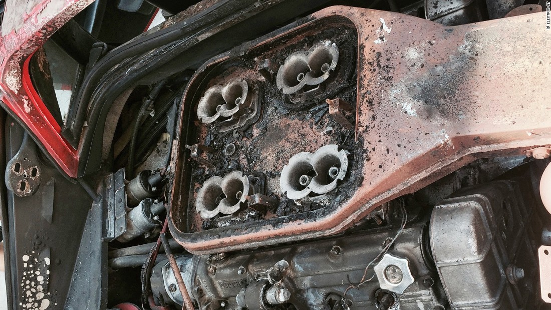 Hutchison and his friend and electric car restorer Michael Bream set about replacing the burned-out remains V8 engine and its four Weber carburetors with a electric motor.