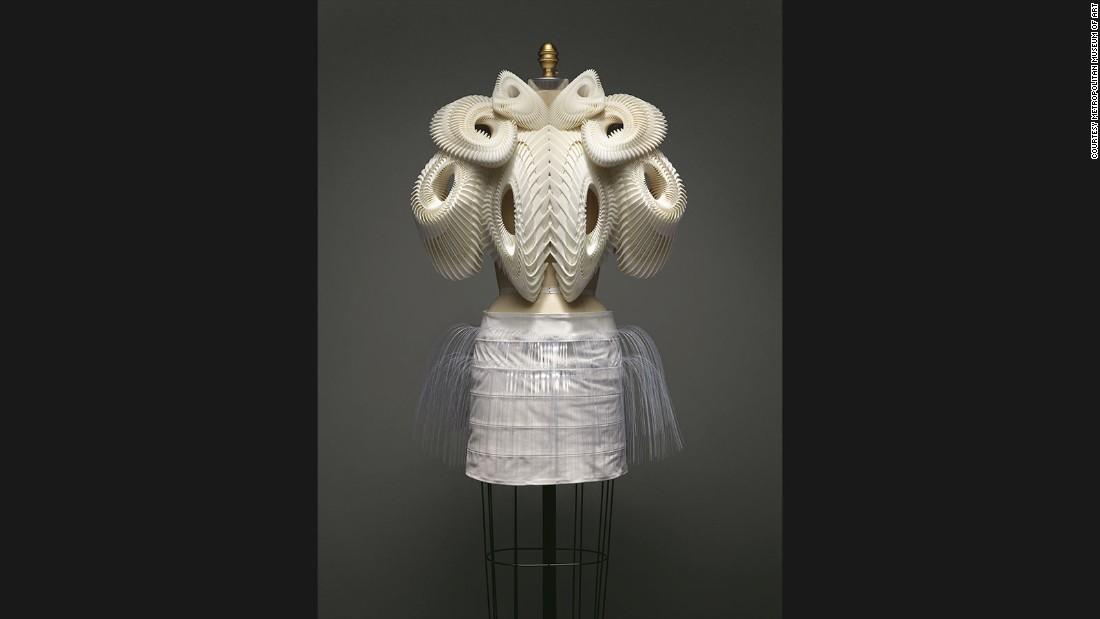 Ensemble by Iris van Herpen, Spring-Summer 2010 haute couture collection.
