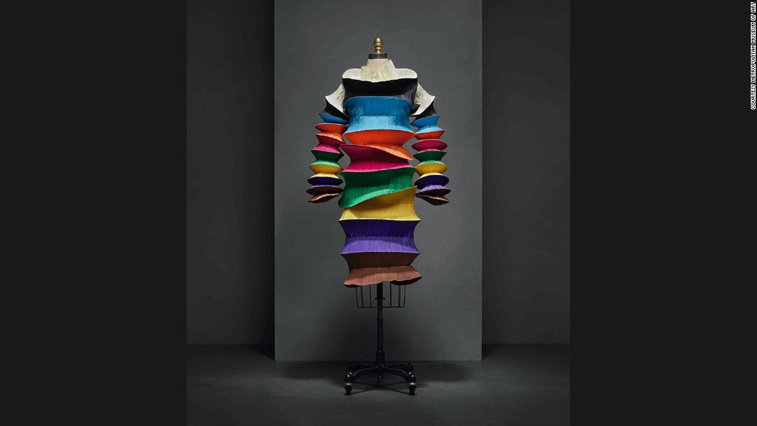 """Flying Saucer"" Dress, Issey Miyake for Miyake Design Studio, Spring-Summer 1994 prêt-à-porter collection."