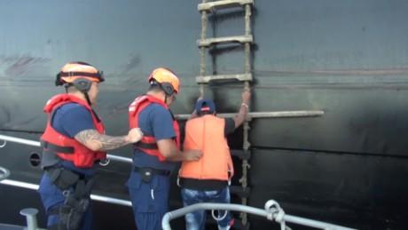 cnnee vo naugfrago colombiano rescatado en el pacifico _00001408
