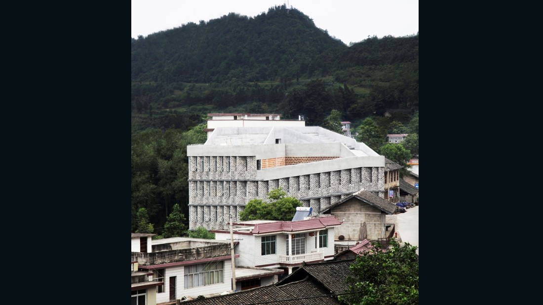 Andong Hospital. Rural Urban Framework. 2013, Baojing County, China. (Photo: Jose Campos)