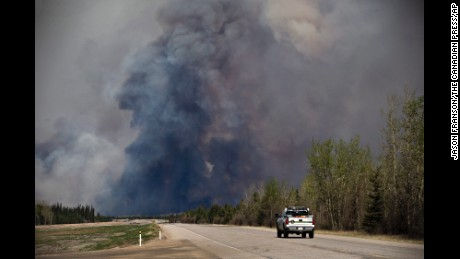 "Canadian inferno: evacuee says it looks like ""movie scene"""