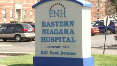 NY hospital armed robbery_00000602