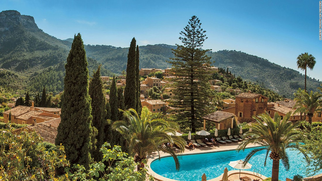 Made up of several 16th-century farmhouses, Belmond La Residencia's 67 rooms are decorated in traditional Mallorcan style with terracotta tile floors and canopied, hand-carved beds.<br />
