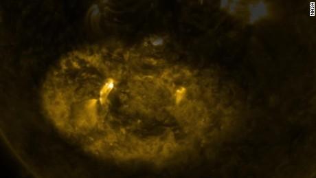 mercury transits sun orig vstop _00004127.jpg