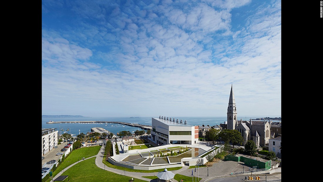 Dlr Lexicon. Carr Cotter & Naessens. 2014, Dún Laoghaire Co. Dublin, Ireland. (Photo: Dennis Gilbert)