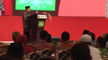 "Indonesia's Vice President Jusuf Kalla said he hoped religious leaders could help ""straighten"" extremism."