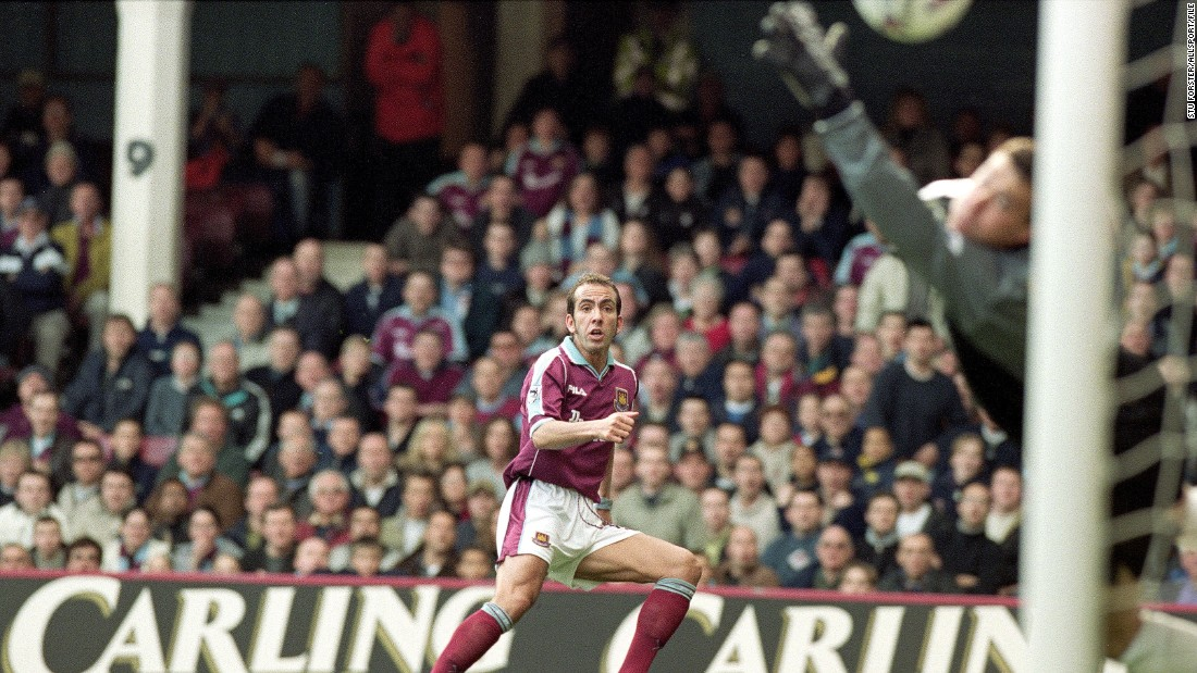 "Fans have been recalling their greatest memories -- such as this volleyed goal by Paolo Di Canio against Wimbledon in 2000 which was voted the <a href=""http://www.whufc.com/News/Articles/2016/May/8-May/The-Greatest-Goal"" target=""_blank"">best ever scored at Upton Park.</a>"