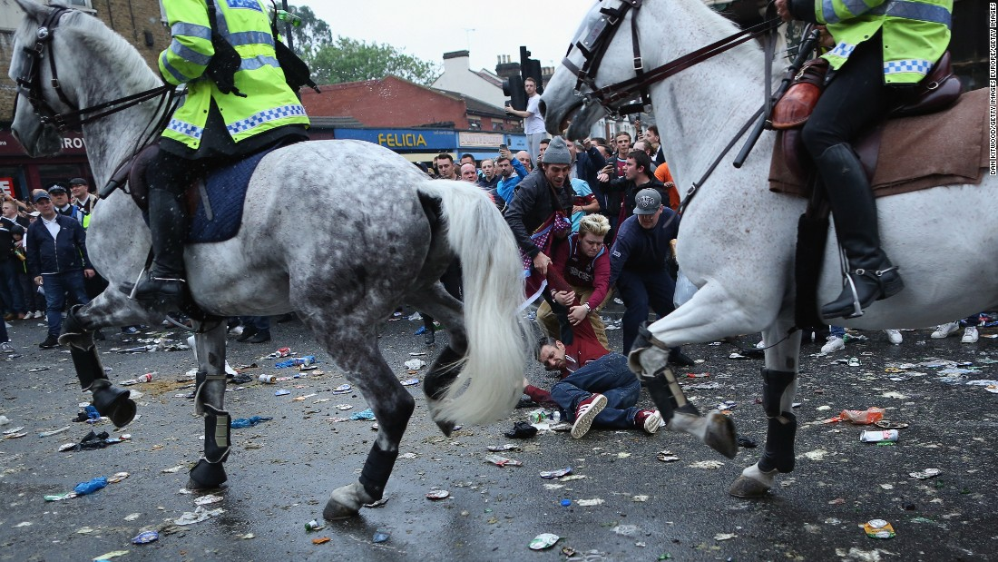 West Ham's final match at Upton Park was marred by trouble outside the ground before the match started.